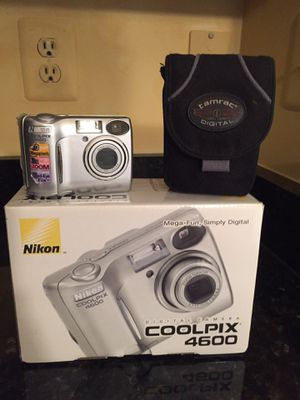 Nikon 4MB Camera Package for Sale in Ellicott City, MD