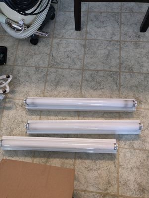 Fluorescent light fixtures, 2ft each, 3 total for Sale in Murfreesboro, TN