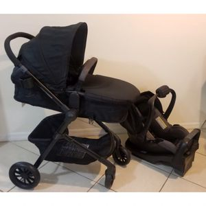 Like NEW Evenflo Pivot Travel System ( stroller car seat and base ) for Sale in Miramar, FL