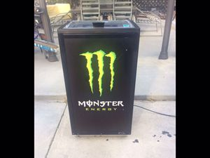 NEW Never Used IDW Monster Energy Large REACH-IN Cooler PERFECT for your Man Cave or rolling out for those upcoming bbq's for Sale in Diamond Bar, CA