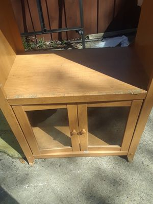 Tv Stand Entertainment $15.00 cash only (serious buyers) the hole in the middle is 26x31 the whole stand is 60x30 for Sale in Dallas, TX