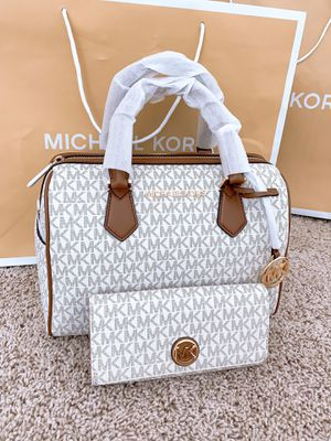Michael Kors Bedford Duffle And Wallet for Sale in Arlington, TX