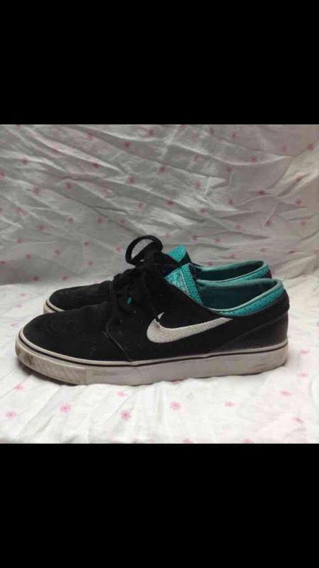 Nike Janoskis Size 7Y