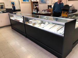showcases display for Sale in Springfield, VA