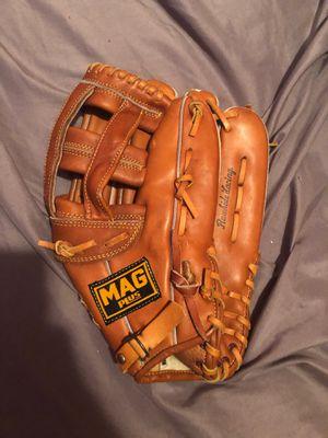 Baseball glove for Sale in Palm Springs, FL