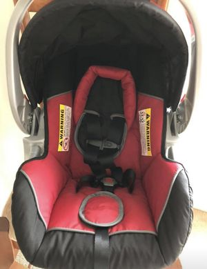 Babytrend Car seat with base for Sale in Lexington, SC