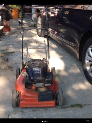 self propelled lawn mower kohler Ariens courage xt-7 runs great for Sale in Queens, NY