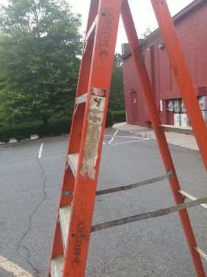 8 foot ladder for Sale in Charlotte, NC