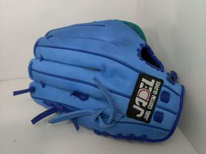 Baseball gloves softball for Sale in Los Angeles, CA