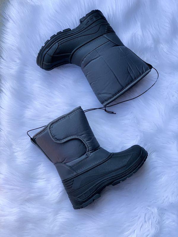 Kids snow boots / bota para la nieve niños / snow boots for kids sizes 9,10,11,12,13,1,2,3,4 $25 each pair