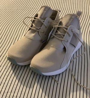 Wm's Reebok Sneakers 8.5 for Sale in Nashville, TN