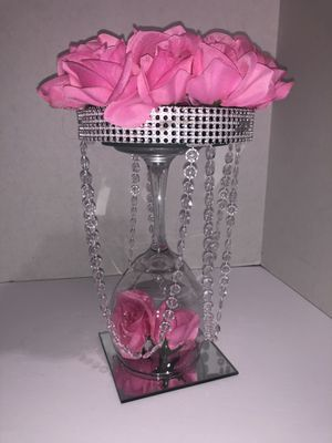 Gorgeous Rose centerpiece for Sale in Lake Worth, FL