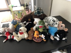 Free stuffed animals for Sale in San Tan Valley, AZ