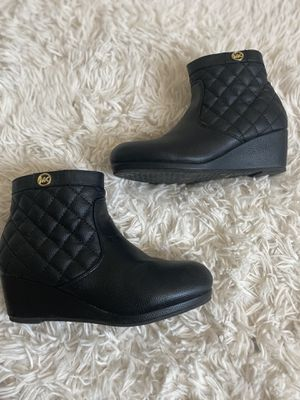 Cute Michael Kors Kids Ankle Boots 🥾 for Sale in Compton, CA