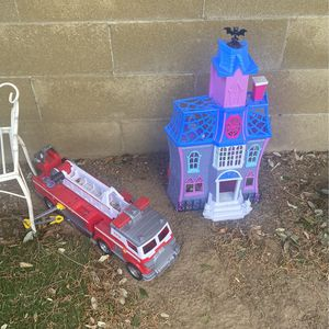 Paw Patrol Fire Truck & Vamparina Playhouse for Sale in Placentia, CA