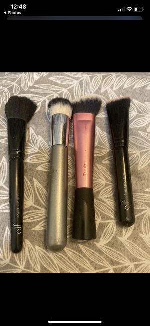 Makeup brushes bundle for Sale in Los Angeles, CA