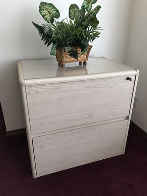 Wood File Cabinet for Sale in La Habra Heights, CA