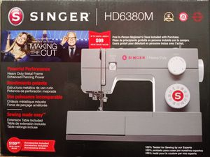 Singer heavy duty sewing machine for Sale in Roswell, GA