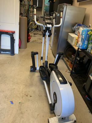 Smooth fitness elliptical for Sale in West Linn, OR