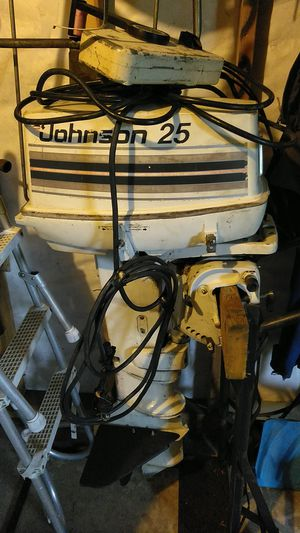 25hp Johnson. Runs like it's brand new and comes with control with key. for Sale in Tigard, OR