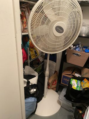 Lasko Oscillating Standing Fan for Sale in New York, NY