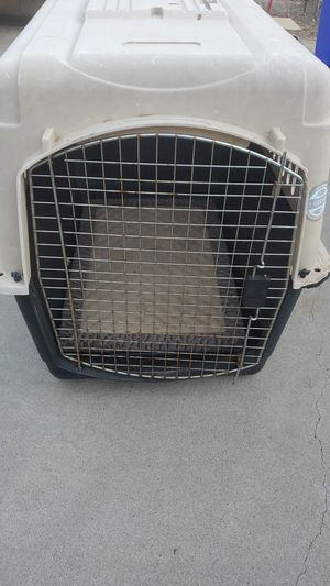 Large Dog crate with pad for Sale in Escondido, CA