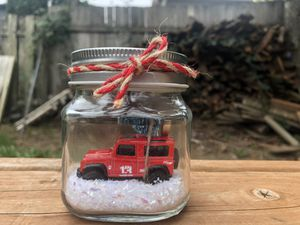 Small glass jar with Jeep and Christmas tree for Sale in Gresham, OR
