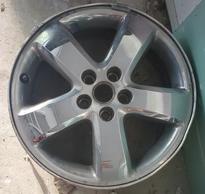 17 inch chrome rim. From an '09 Pontiac G6. for Sale in Troy, MI
