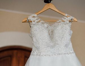 Wedding dress, hair piece and veil all for sale! Contact for more details, price negotiable for Sale in Harrisonburg, VA