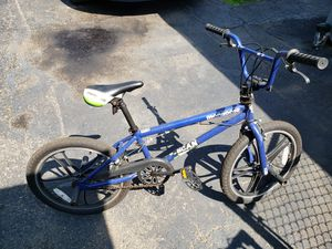 """Mongoose Scan R30 20"""" Freestyle BMX Bike Boys Bicycle with Pegs - Blue for Sale in New Brighton, PA"""