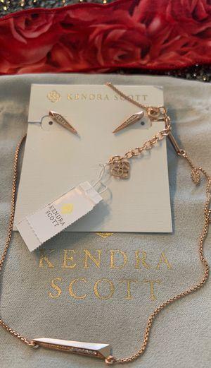 Kendra Scott Elliot set , rose gold with diamonds, New for Sale in Carrollton, TX