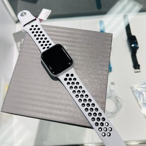 Apple Watch Series 6 for Sale in Durham, NC