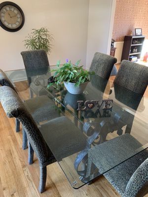 Dining Room Table and Chairs for Sale in Greensboro, NC