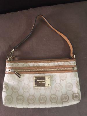 Michael Kors MK Print leather Trim Wristlet purse clutch wallet for Sale in Los Angeles, CA