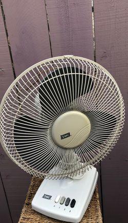 Oscillating desk fan for Sale in San Diego,  CA