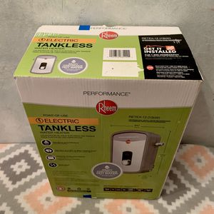 New Rheem Performance SelfModulating 13kW 54Amps 240V Electric Tankless Water Heater. RETEX-13 for Sale in Davie, FL