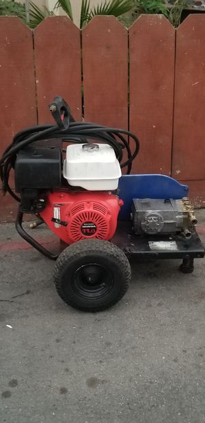 pressure washer for Sale in Salinas, CA