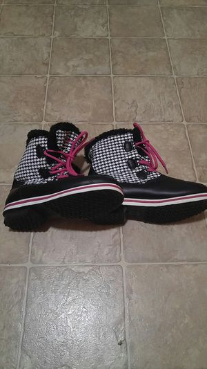 Girls boots for Sale in Lemoore, CA