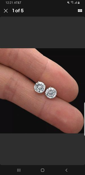New 2ct beautiful moissanite diamonds stud earrings,14k white gold!!! for Sale in Bloomfield Township, MI