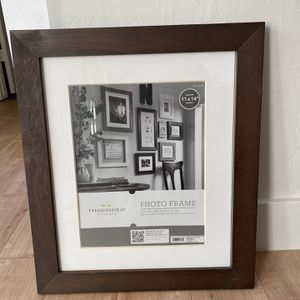 Photo frame 11x14 for Sale in Mesa, AZ
