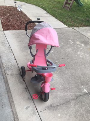 Bike Radio Flyer 4-1 for toddler girl for Sale in Sebring, FL