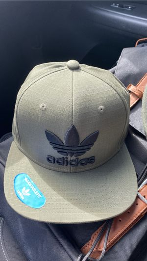 Adidas olive green snap back hat NEW for Sale in Anaheim, CA