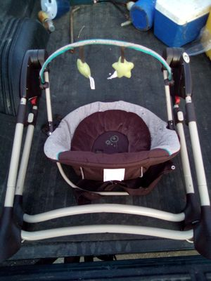 Graco Portable Baby Swing for Sale in St. Louis, MO