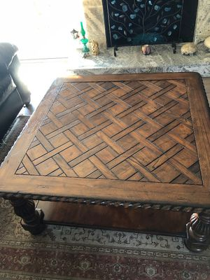 Coffee table for Sale in Laguna Niguel, CA
