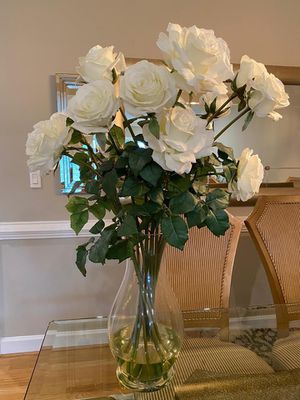 Eye Catching Decorative Vase W/ Real Touch & Real Look White Roses for Sale in Vienna, VA