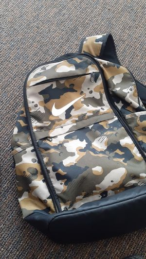 Nike backpack camo for Sale in Columbus, OH