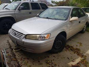 1999 Toyota camry for Sale in Montclair, CA