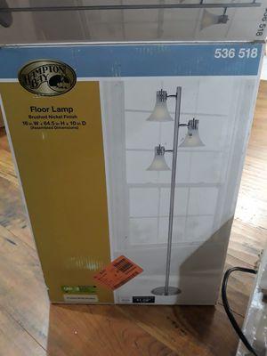 Floor lamp for Sale in San Antonio, TX