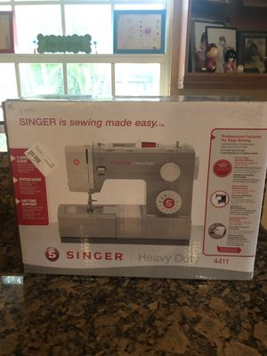 Singer Sewing Machine 4411 BRAND NEW for Sale in Pembroke Pines, FL