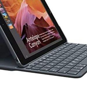 Logitech Slim Folio Bluetooth Keyboard Case For 5th And 6th Generation Ipad for Sale in Escondido, CA